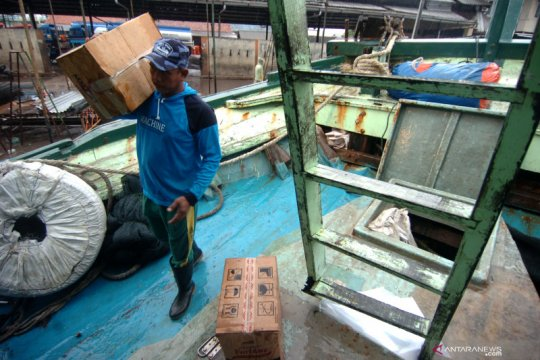 Nelayan Tegal bersiap menuju Natuna