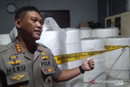 Polres Jakpus gerebek pabrik masker ilegal