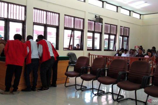 Empat mahasiswa terdakwa makar disidangkan Pengadilan Negeri Sorong