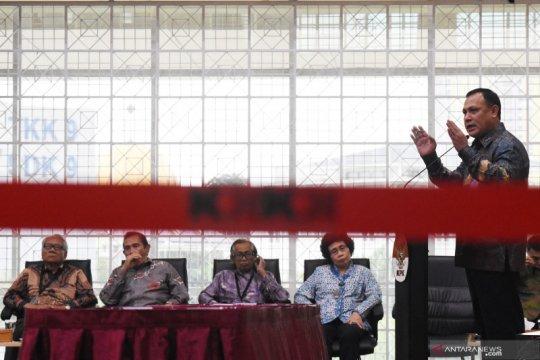 Penandatanganan kontrak kerja pejabat KPK