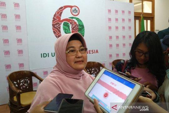 Erlina Burhan: Nakes perempuan punya peran ganda