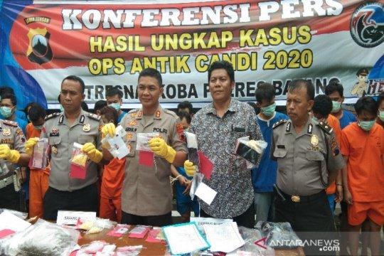 Polres Batang bekuk 23 tersangka narkoba