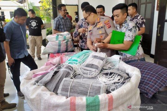 Polisi gerebek rumah yang menimbun dua karung masker di Bandung