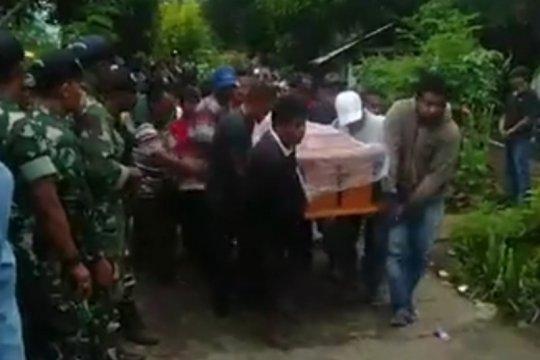 """Pemakaman enam korban """"perang tanding"""" di Adonara dijaga ketat aparat"""