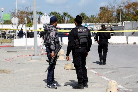 Polisi Tunisia bentrok dengan pemuda yang protes perlakuan buruk