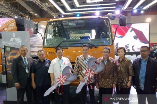 KTB kirim dua unit Colt Diesel untuk PMI dan SMK