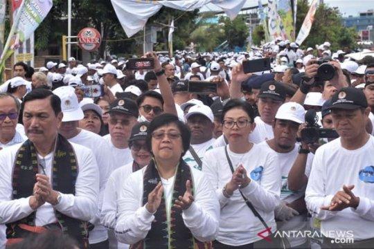 10.000 warga Manggarai Barat bersihkan pesisir pantai Labuan Bajo