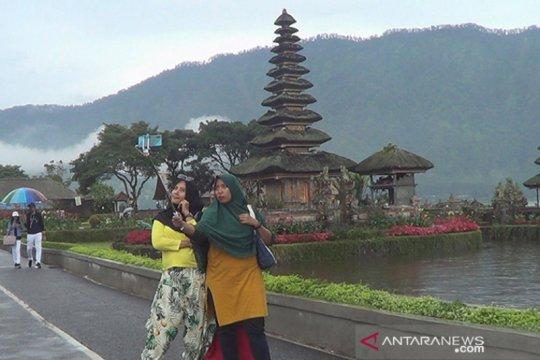 Pura Ulundanu Beratan-Bali bidik wisnus sikapi wabah COVID-19