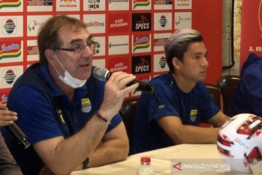 Pelatih Persib minta PSSI cermat ambil kebijakan soal opsi dua wilayah