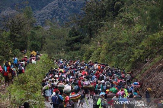 Warga Kimbeli tinggalkan kampung untuk selamatkan diri dari KKB