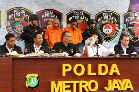 Polda Metro tangkap dua pelaku pencuri motor bersenjata api