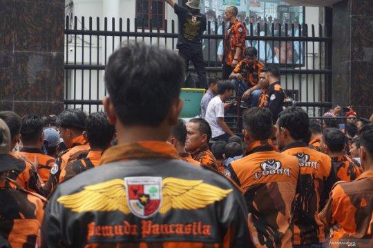 Pemuda Pancasila demo Kejati Sumut, tuntut evaluasi Kejari Medan