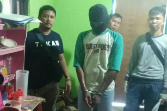 Tersangka pembunuh siswi MTsN peragakan 10 adegan