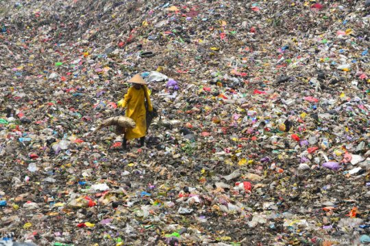 YLKI dan Greenpeace sesalkan penggunaan kemasan galon sekali pakai