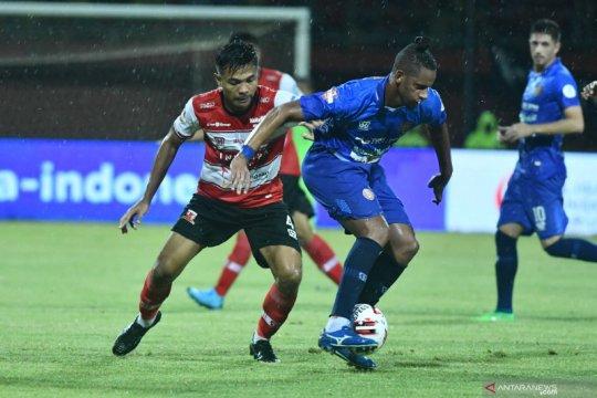 Persiraja Banda Aceh tahan Madura United