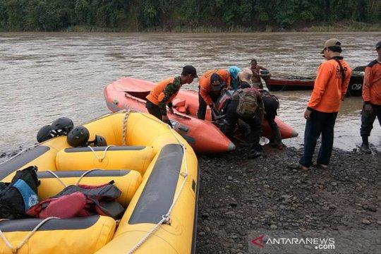Tim SAR gabungan cari pria tenggelam di Sungai Serayu Banyumas
