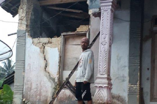 Sejumlah rumah di Sukabumi rusak akibat gempa