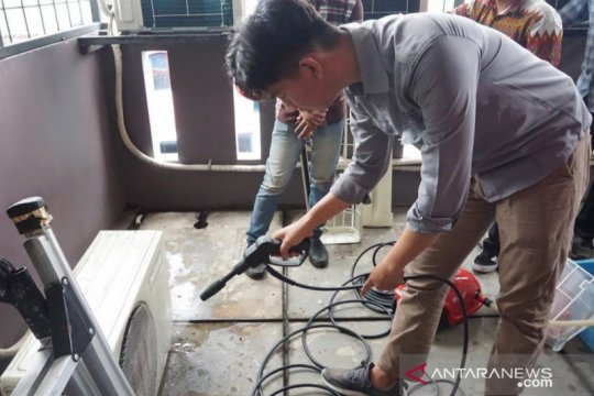 Yayasan Indonesia latih warga binaan usaha sablon pakaian