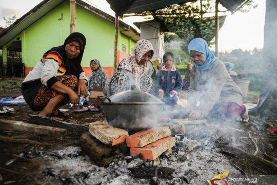 Korban gempa di Kalapanunggal butuh terpal untuk mengungsi