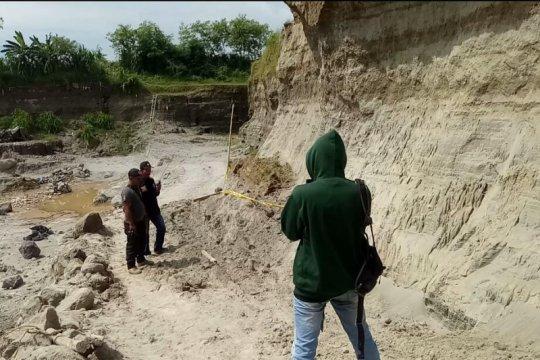 Pekerja tambang Mojokerto tewas tertimbun longsor