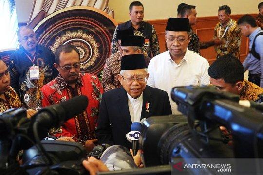 Politik kemarin, Wapres salam corona hingga Roy Suryo keluar Demokrat