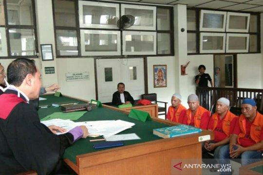 Empat bandar dan kurir 15 kilogram sabu divonis 13 tahun penjara
