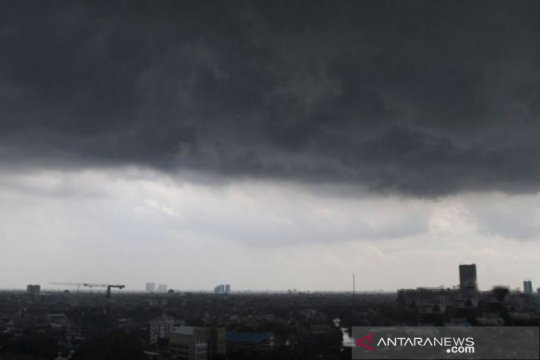 BMKG prediksi sejumlah wilayah di Jatim hujan lebat sore hari