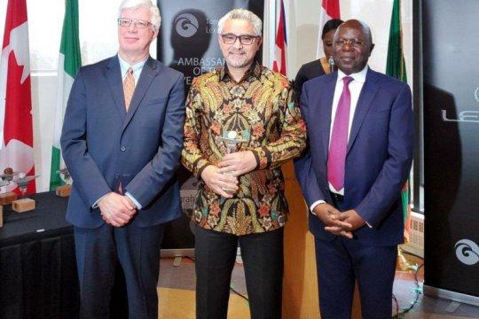Dubes RI raih penghargaan diplomasi dari Kanada