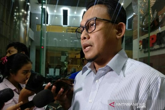KPK konfirmasi pengusaha aliran uang kasus suap minyak mentah