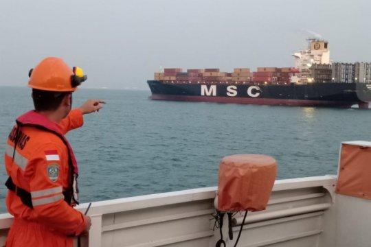 Empat korban kapal tenggelam di perairan Bintan belum ditemukan