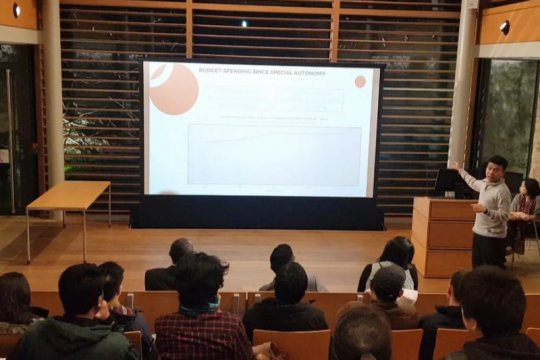 Billy Mambrasar paparkan kemajuan pembangunan SDM Papua di Oxford