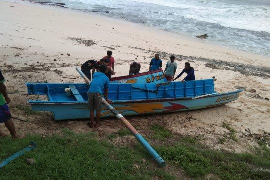 Nelayan Pacitan hilang diterjang ombak besar pascagempa