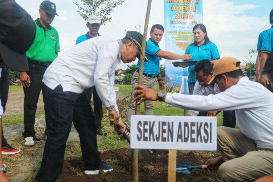 Adeksi lakukan aksi tanam 1.000 pohon di Mataram