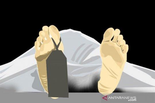 Polresta Pontianak olah TKP dugaan kasus pembunuhan ibu-anak