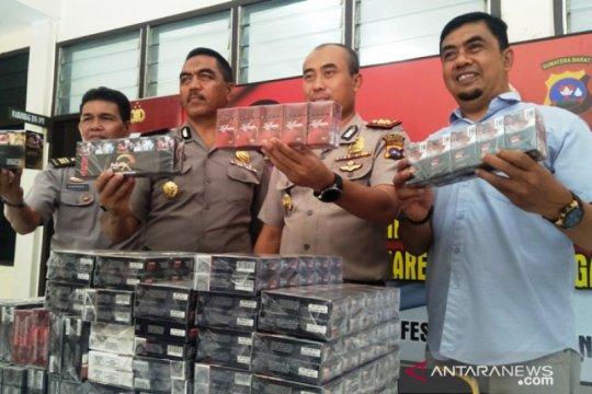 Polisi Pariaman ungkap peredaran ratusan bungkus rokok ilegal
