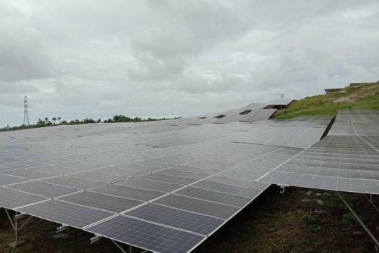 Menyelimuti bukit Likupang dengan panel surya terbesar Indonesia