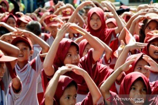 Antisipasi COVID-19, sekolah di Makassar meniadakan salaman