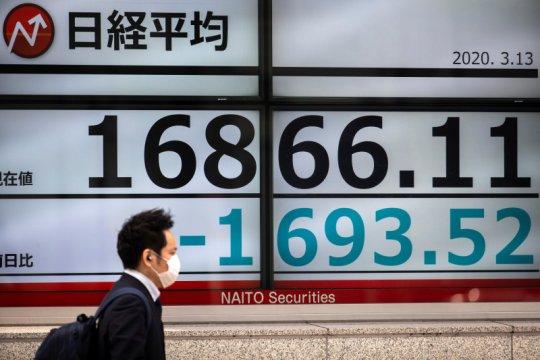 Saham Tokyo ditutup jatuh, tertekan aksi investor ambil untung