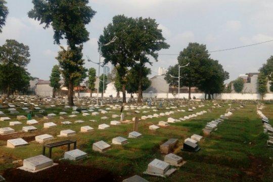 Jenazah suami Intan RJ dimakamkan di TPU Duri Kepa