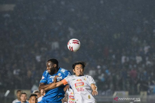 Klasemen Liga 1: Persib nyaman di puncak, Bali United gulung Madura