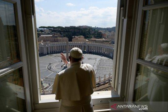 Paus Fransiskus kutuk produsen senjata yang menyuplai teroris