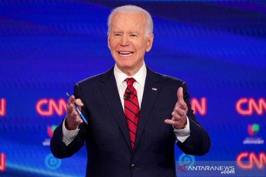 Sasar pemilih perempuan, Joe Biden raih dukungan Hillary Clinton