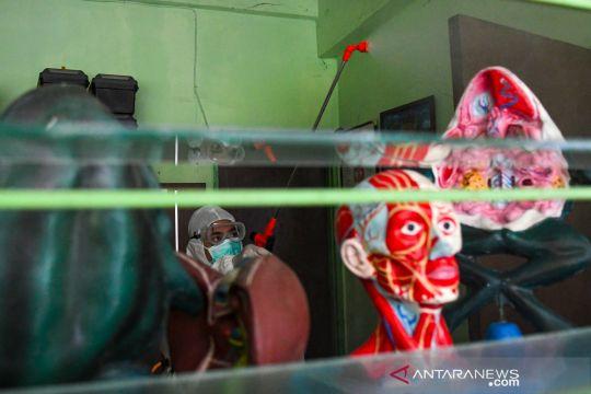 PMI semprot disinfektan 35 sekolah di Jakarta Barat