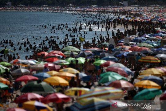 Pantai Rio de Janeiro dibuka kalau sudah ada vaksin COVID-19
