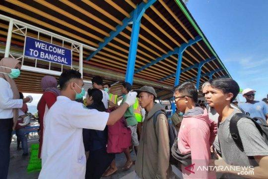 Wisatawan menuju tiga gili Lombok jalani pemeriksaan kesehatan