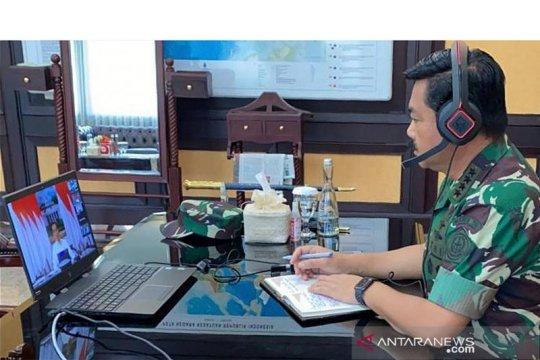Panglima: Hampir tiap hari pesawat TNI antar APD ke seluruh Indonesia