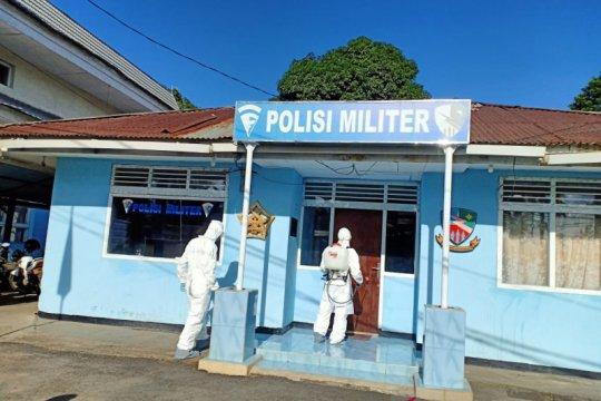 Lanud Sam Ratulangi lakukan penyemprotan disinfektan cegah COVID-19