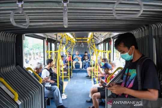 Pemprov DKI kembali batasi jam operasional transportasi umum