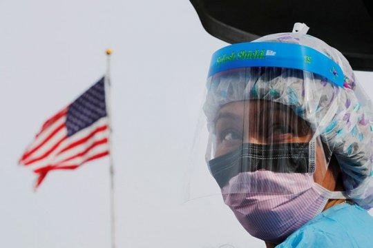 Dokter di AS buat masker sendiri karena barang langka
