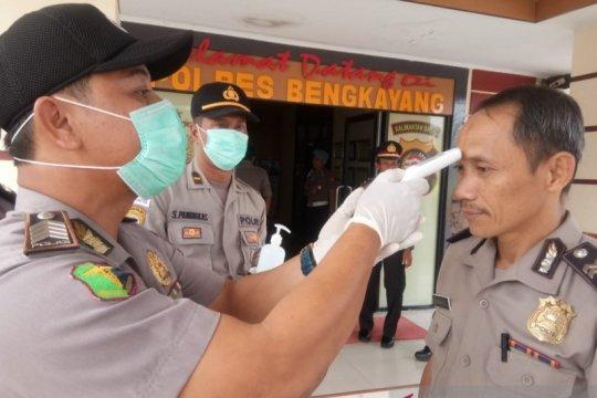 Seluruh personel Polres Bengkayang lakukan pemeriksaan suhu tubuh